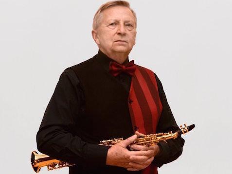 """Janusz Sołtysik członkiem jury konkursu """"Swingujący Kruk""""."""
