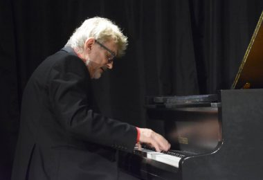 Andrzej Jagodziński – kompozytor i pianista.