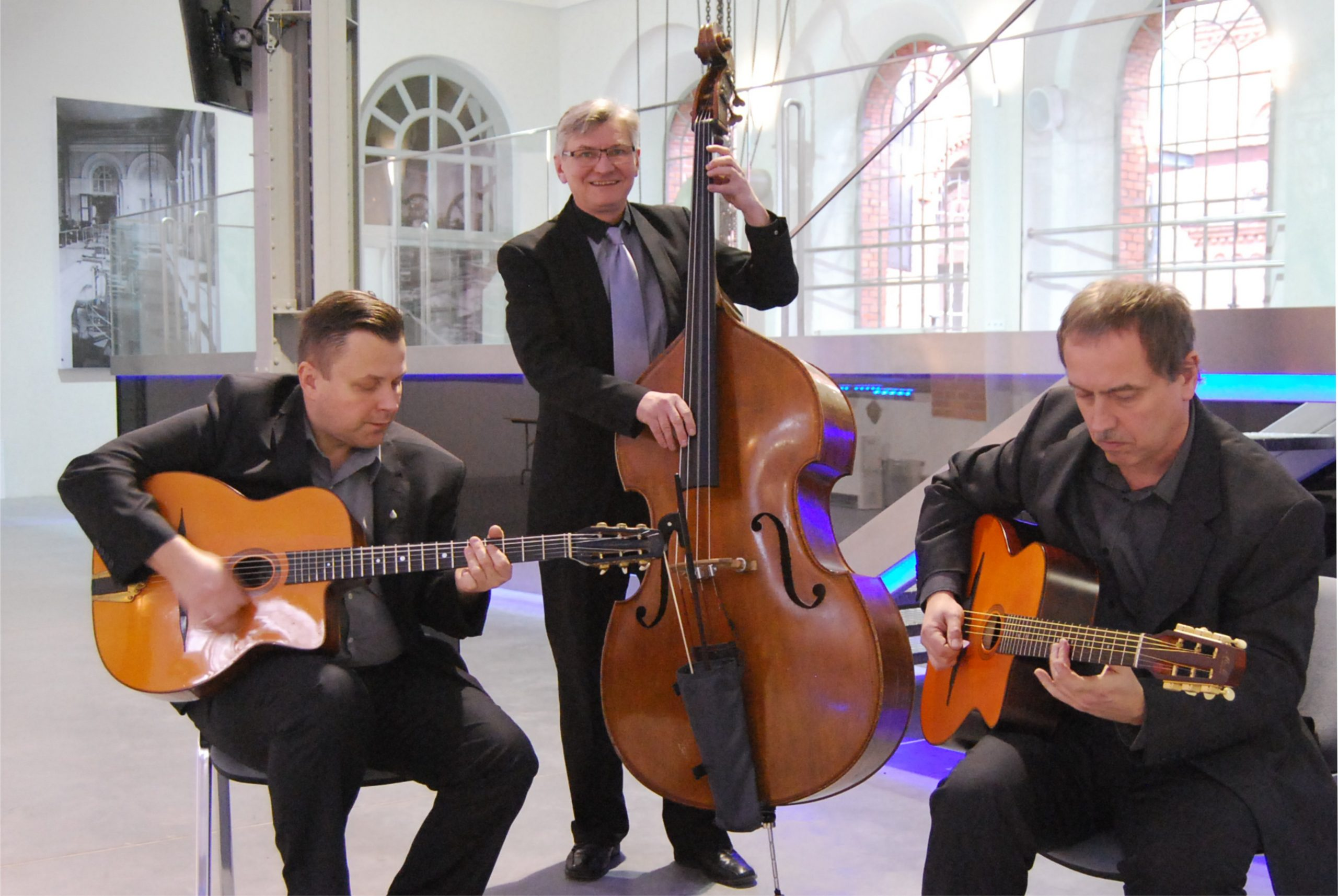 Hot D`Jazz Trio – w Jazz Club Five O`Clock 7.11.2019